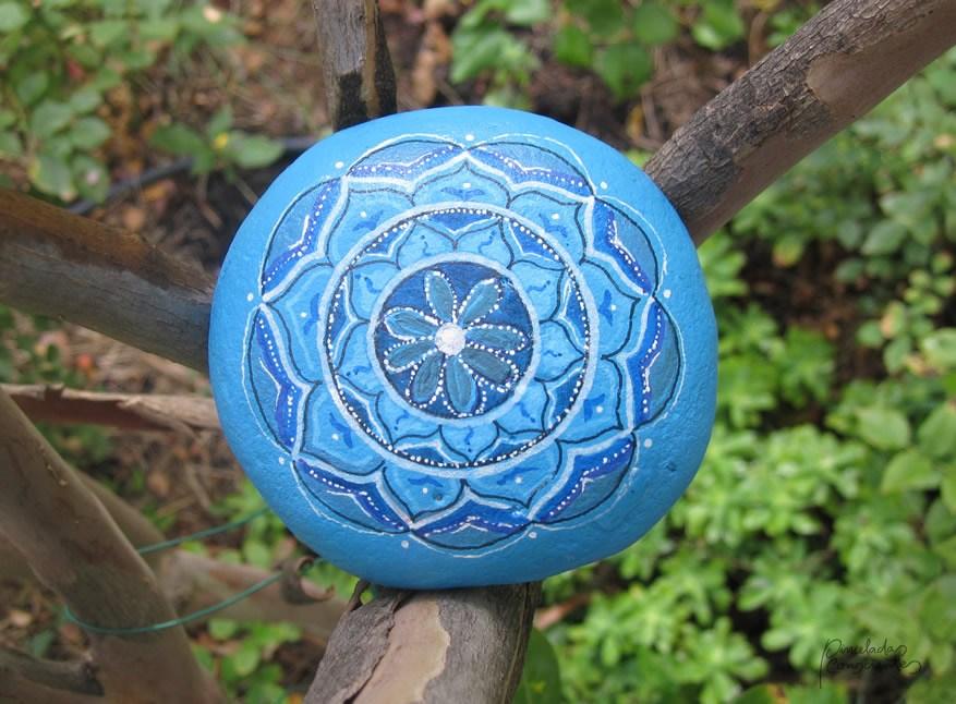piedra-azul-flor-1pinceladas_conscientes
