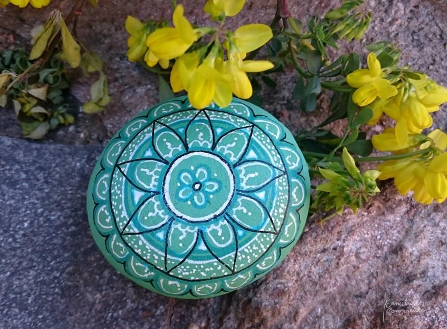 piedra-azul-flor-2-pinceladas_conscientes