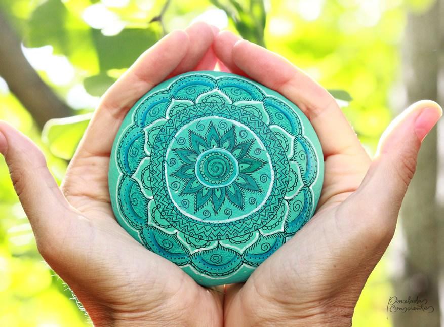 piedra-mandala-azul-pinceladas_conscientes