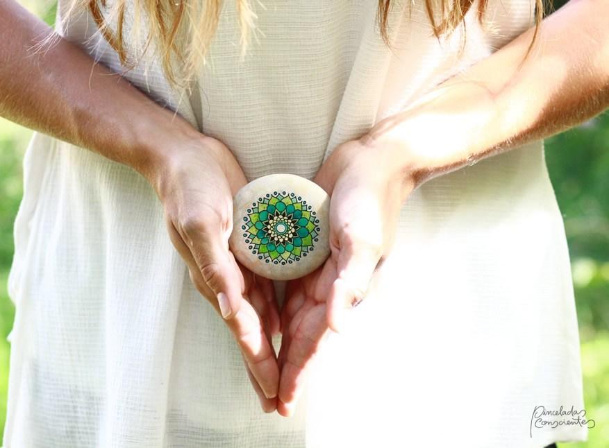 piedra-mandala-verde-pinceladas_conscientes