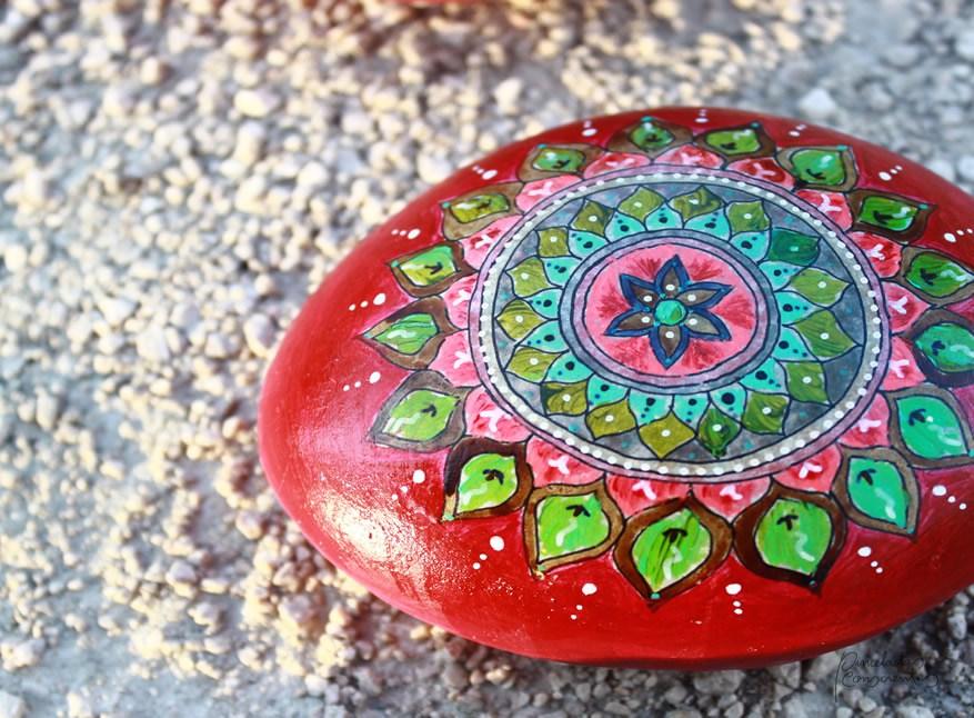 piedra-roja-formas-pinceladas_conscientes