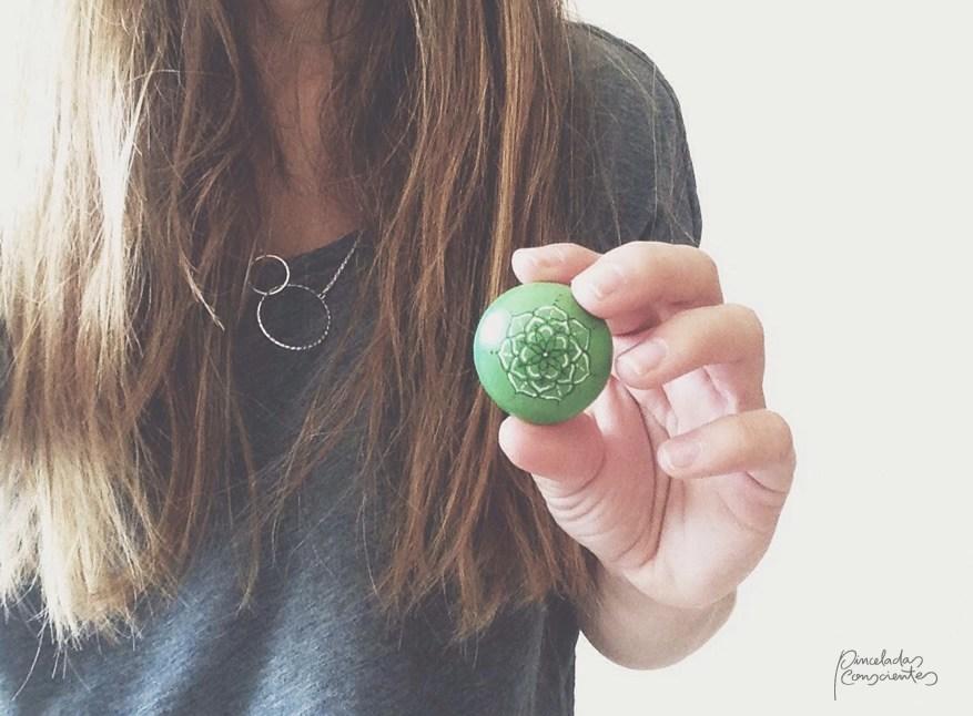 piedra-verde-flor-peq-pinceladas_conscientes