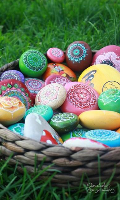 piedras-cesta-varias-pinceladas_conscientes